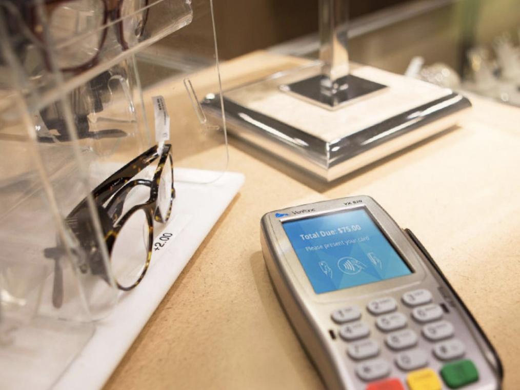 Verrifone VX 820 Credit Card Machine